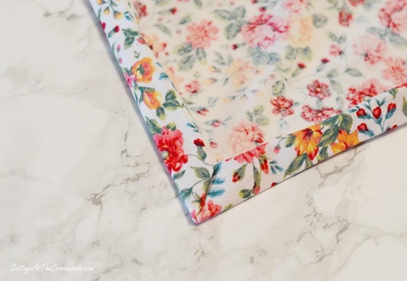 making mitered corners of cloth napkins