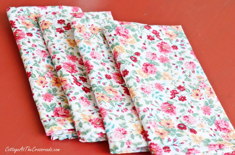 cloth napkins with mitered corners