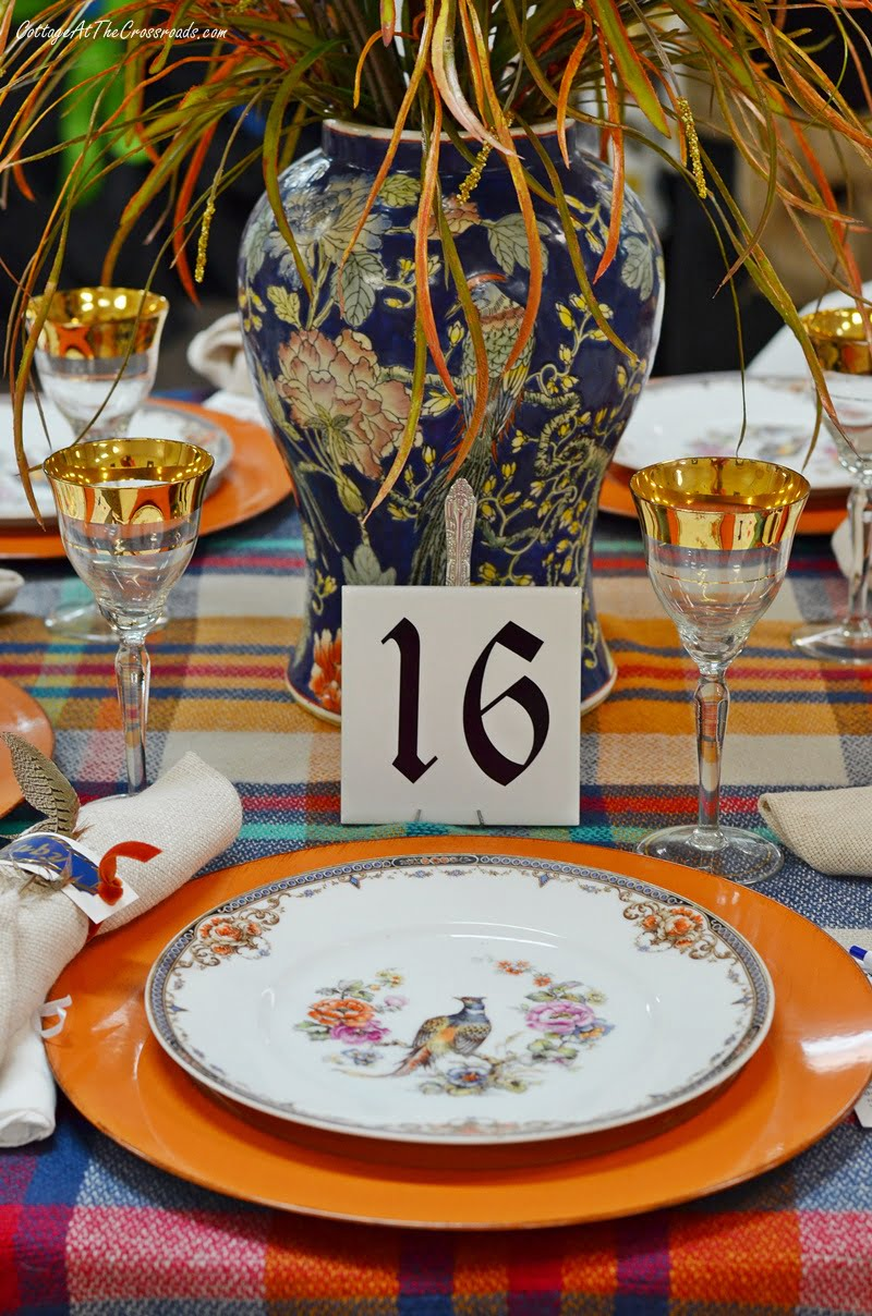 Table 16 was an autumn tablescape
