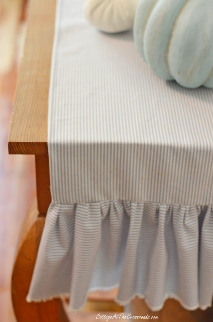 table runner with ruffled ends