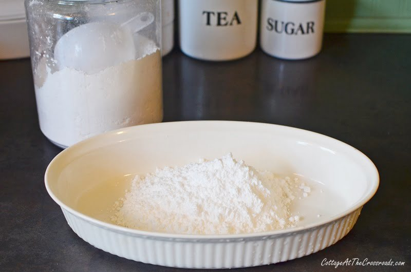a dish of confectioners sugar