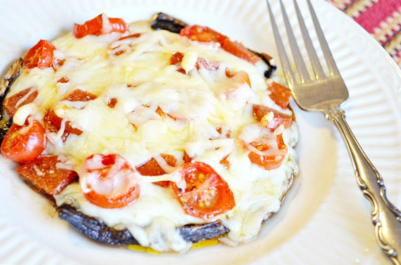 portobello pizzas-a low carb alternative to traditional pizza