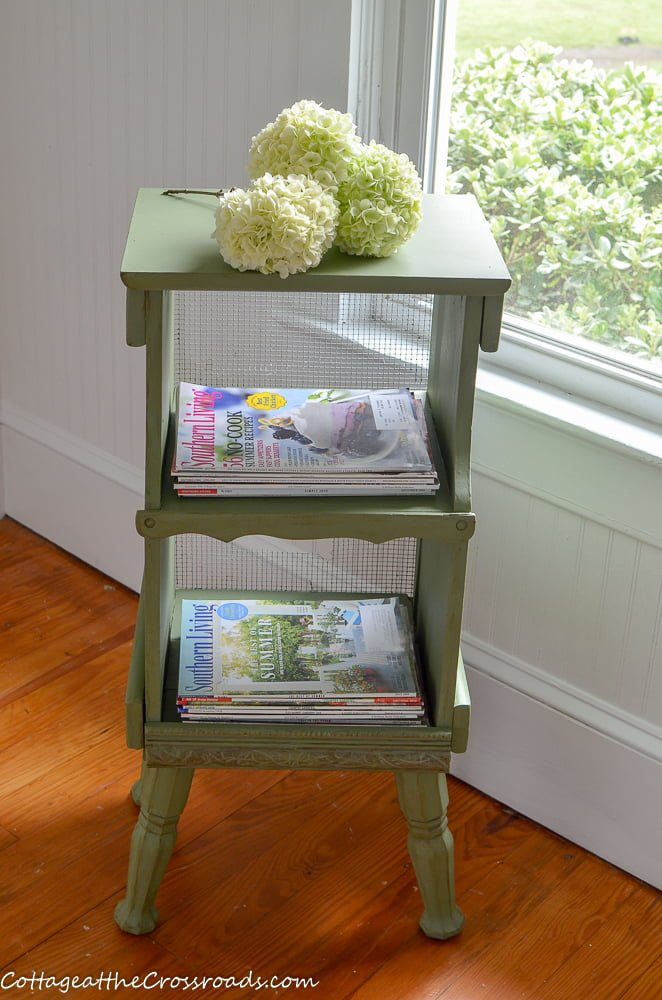 Farmhouse country cottage style magazine rack