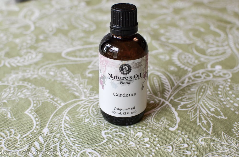 gardenia fragrance oil used to scent homemade candles
