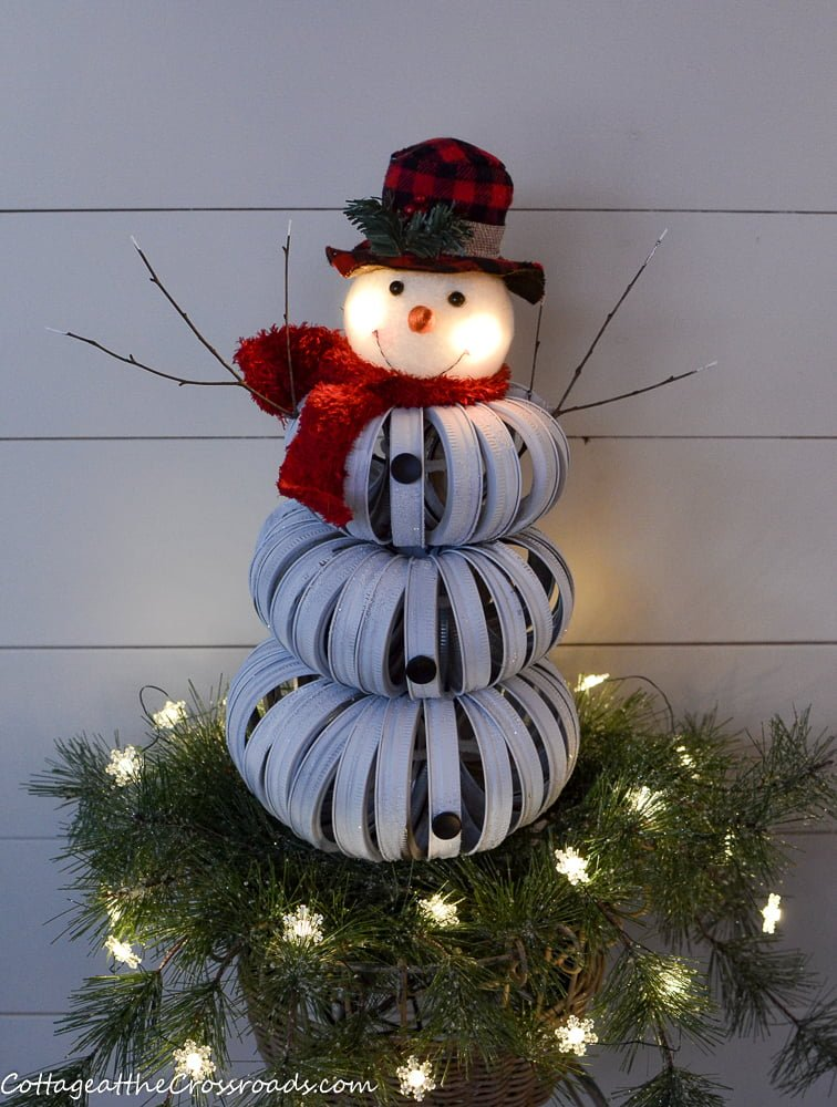 canning ring snowman with a head that lights up