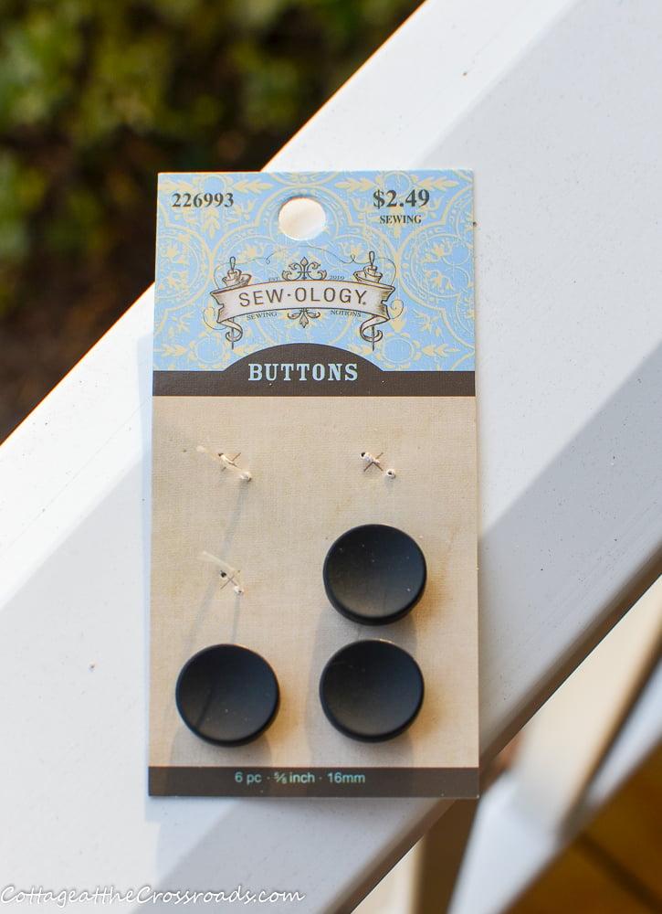 flat black buttons