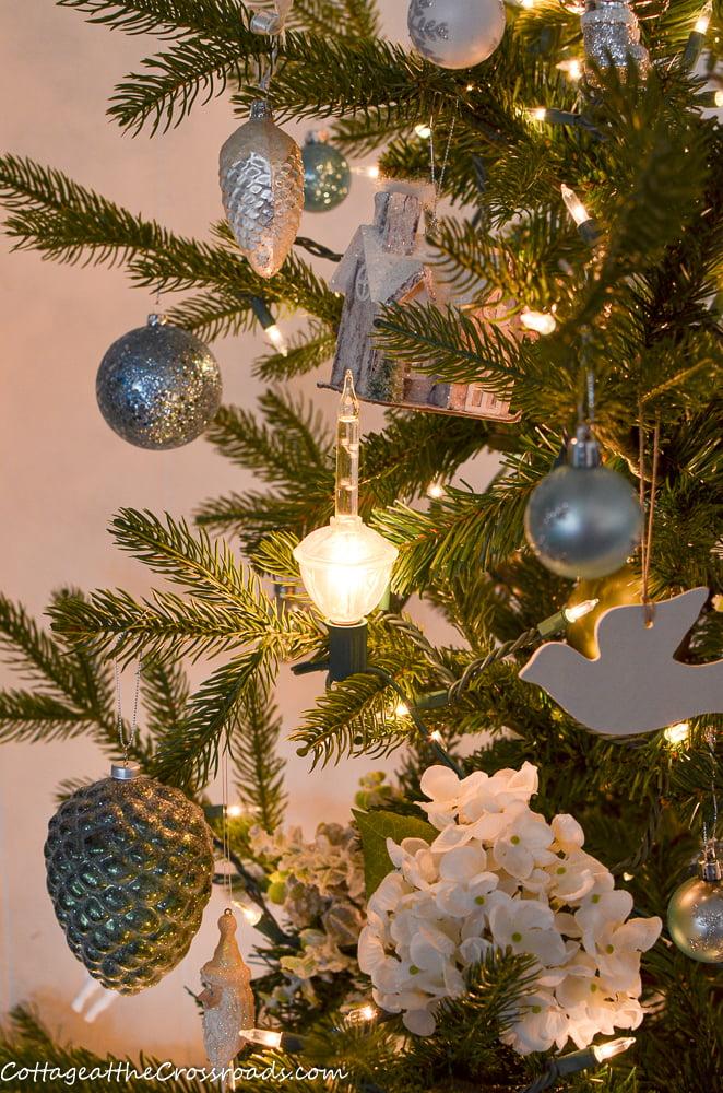 bubble lights on a Christmas tree