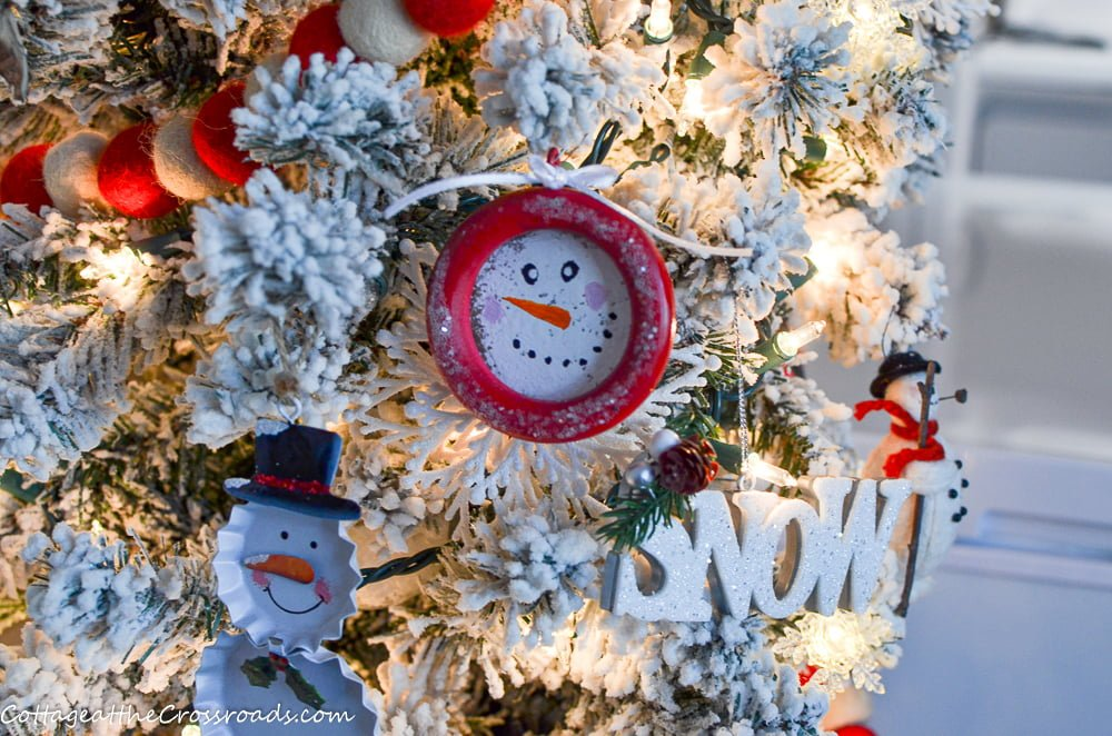 DIY Snowman Ornaments made from Wooden Curtain Rings