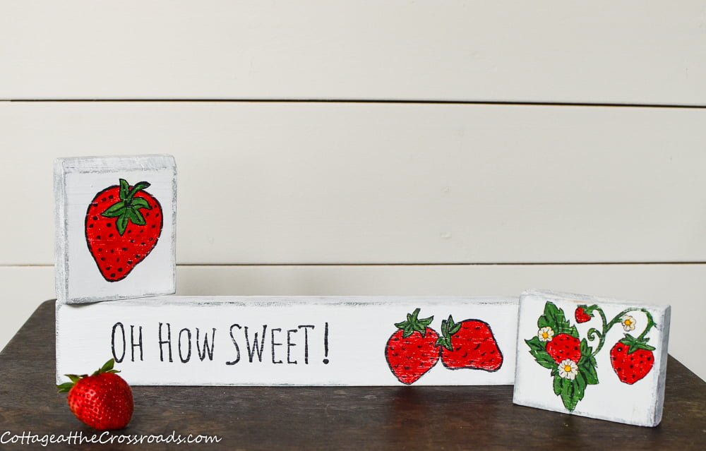 scrap wood signs with strawberries