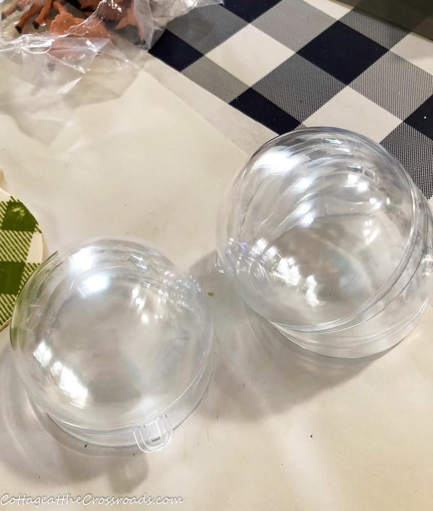 small plastic sphere ornaments
