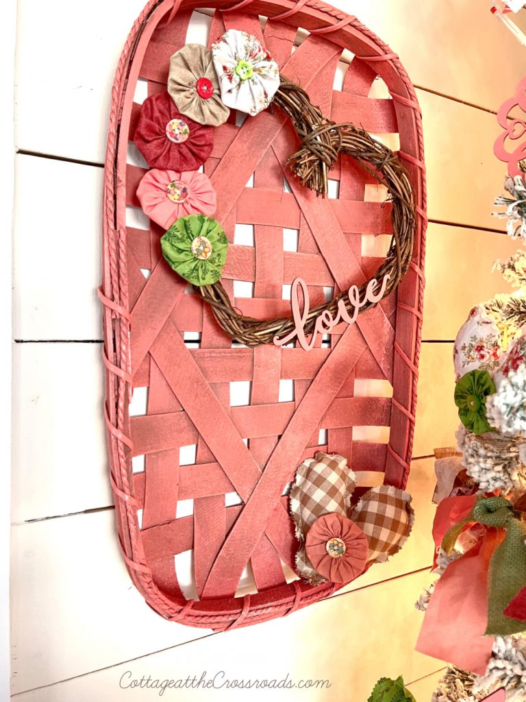 coral tobacco basket with heart wreath