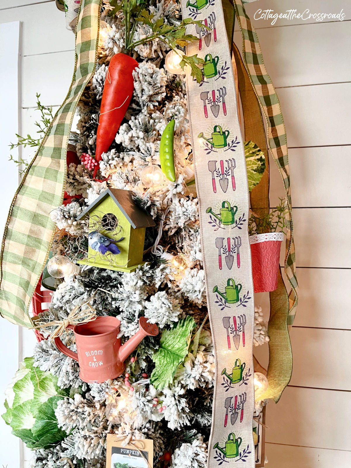 garden theme ribbon and ornaments